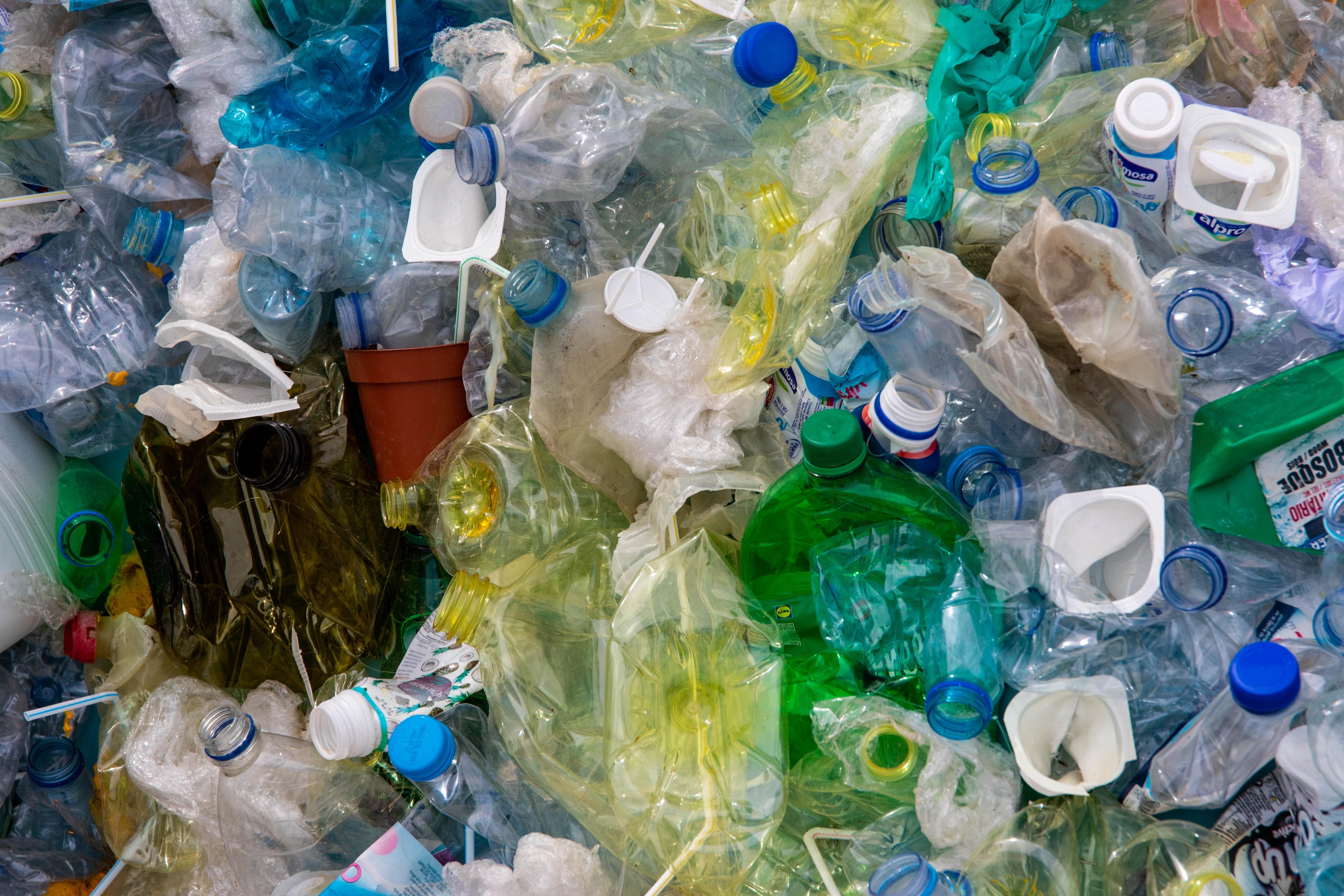 Riesame delle autorizzazioni integrate ambientali per gli impianti di trattamento rifiuti