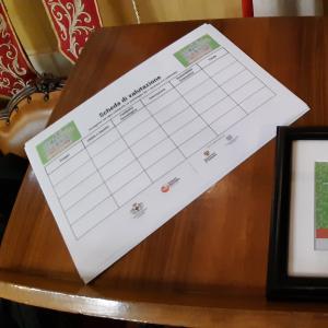 Seconda giornata, sala consiglio metropolitano,la scheda di valutazione e la targa premio