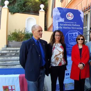 il consigliere di CMGE Garbarino, L'assessore Cavo, La direttrice Vidotto, l'assessore Benveduti, il presidente Massolo ed il sindaco di lavagna Mangiante