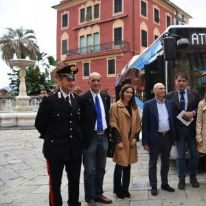 Foto di gruppo delle autorità presenti 1