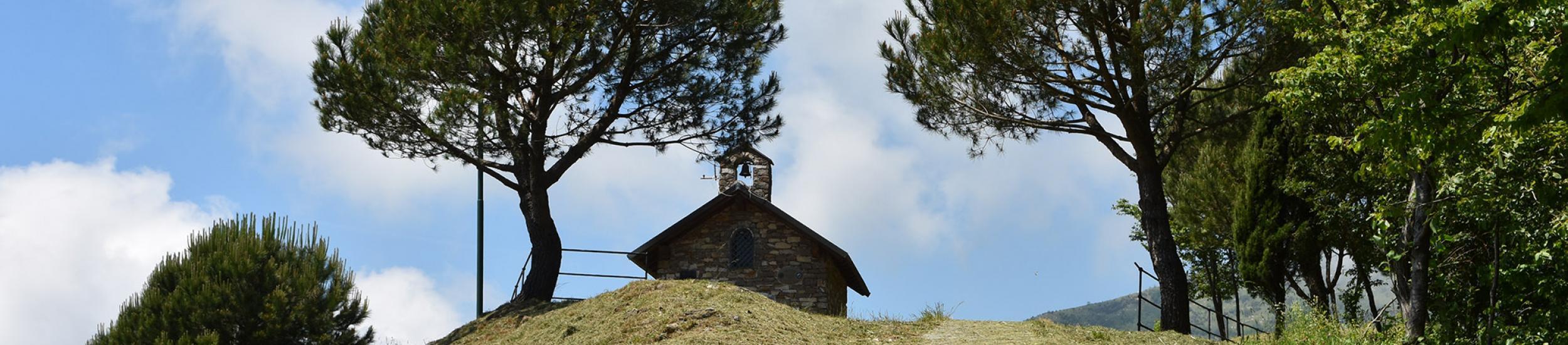 Cappelletta degli Alpini, Cornua
