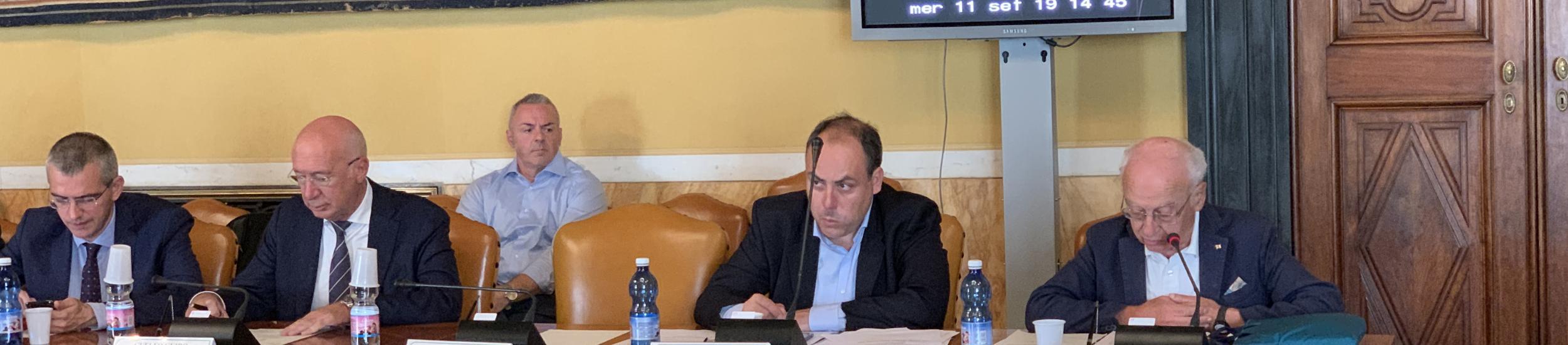 La lettura della proposta da parte del consigliere Bozzo