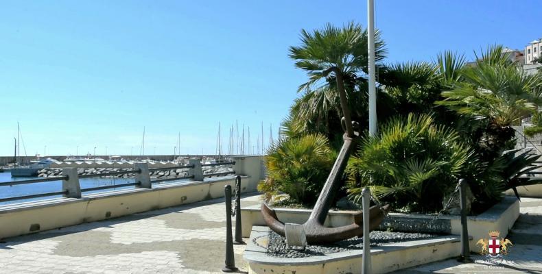 Arenzano, monumento ai caduti del mare
