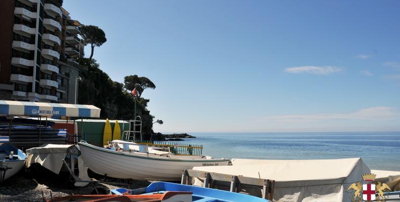 Sori, barche in spiaggia