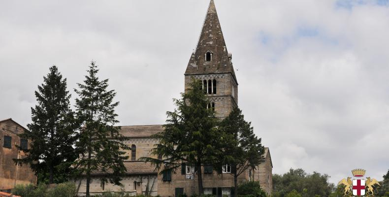Cogorno, Basilica di San Salvatore dei Fieschi campanile
