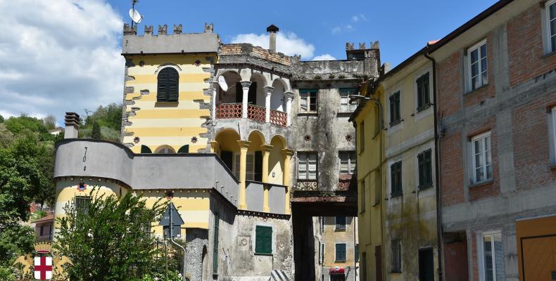 Borgonovo Ligure, edificio