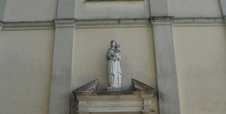 Gorreto, portone Chiesa di S. Caterina da Siena