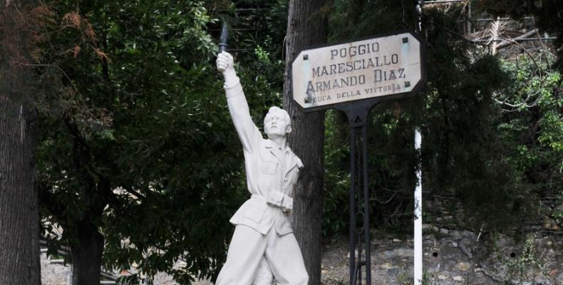 Pieve Ligure: Il monumento ai caduti