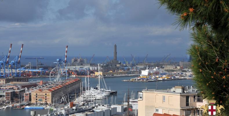 Genova, veduta della Lanterna da Spianata Castelletto