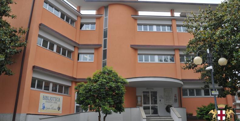 Scuola elementare e biblioteca