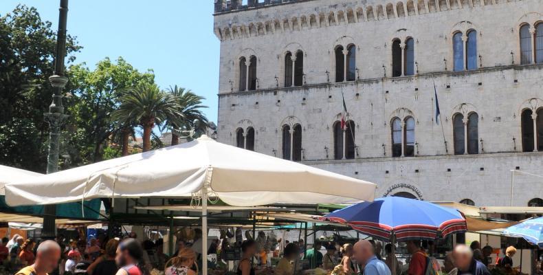 Chiavari, Mercato di piazza Mazzini