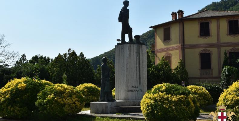 Cicagna, monumento agli emigranti