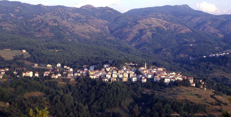 Fontanigorda, Panorama