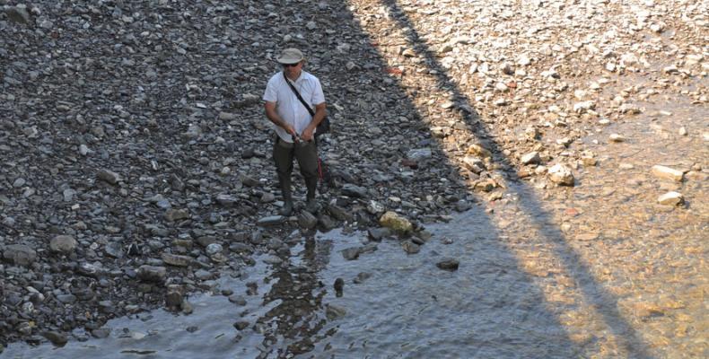 Gorreto, pescatore nel fiume Trebbia