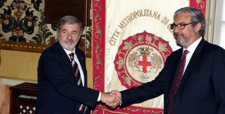 Incontro Bucci Borè (stretta di mano)