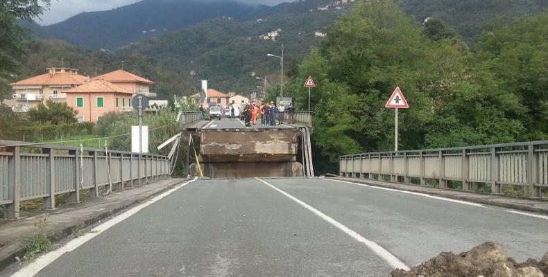 News: Crollo del ponte di carasco, assolti dal tribunale i tecnici della città metropolitana