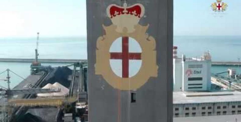 Lanterna di Genova,stemma restaurato per il simbolo della città