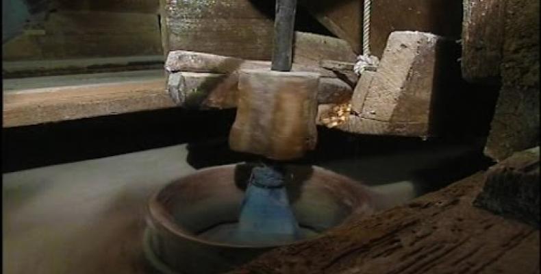 Un antico mulino ad acqua in Val Petronio