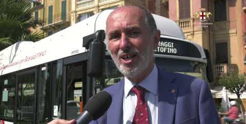Il green dei nuovi bus elettrici nel blu della linea Santa Margherita Ligure - Portofino
