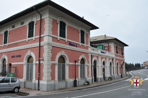 Pieve Ligure. la stazione ferroviaria